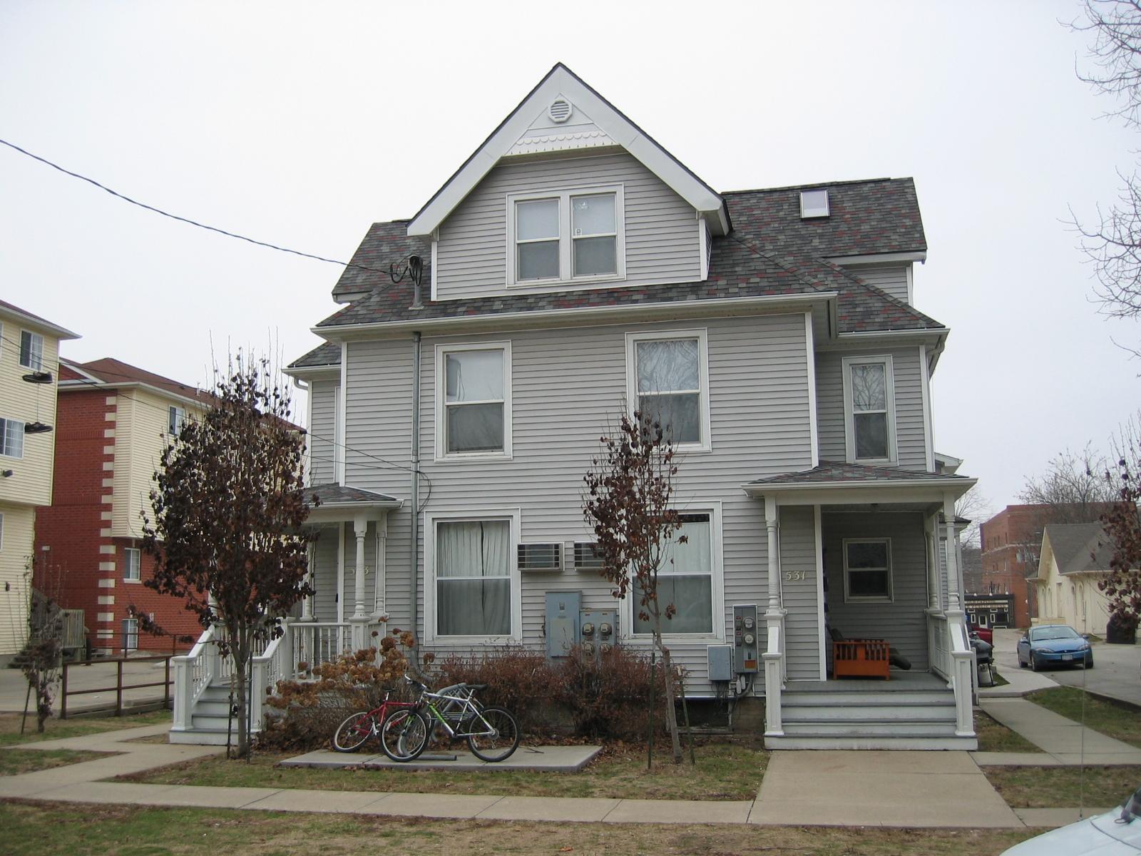 533 S Van Buren St – Townhouse #2