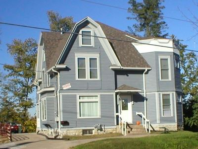 17 S Governor St  ~  XJ17 – 7-9 BEDROOMS